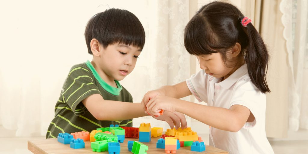5 Tips to Help Your Children Socialize in Their New House