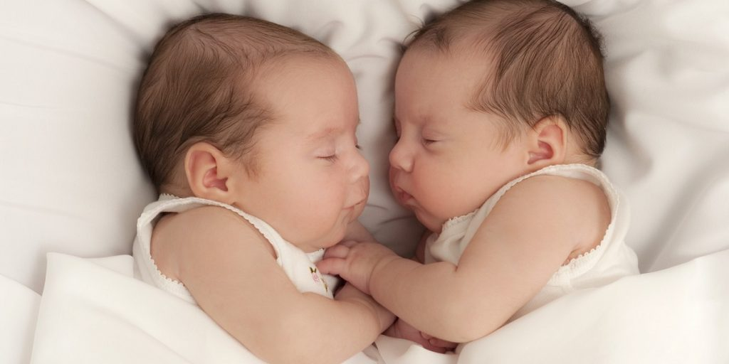 Try These Real Tricks to Manage Infant Twins Alone