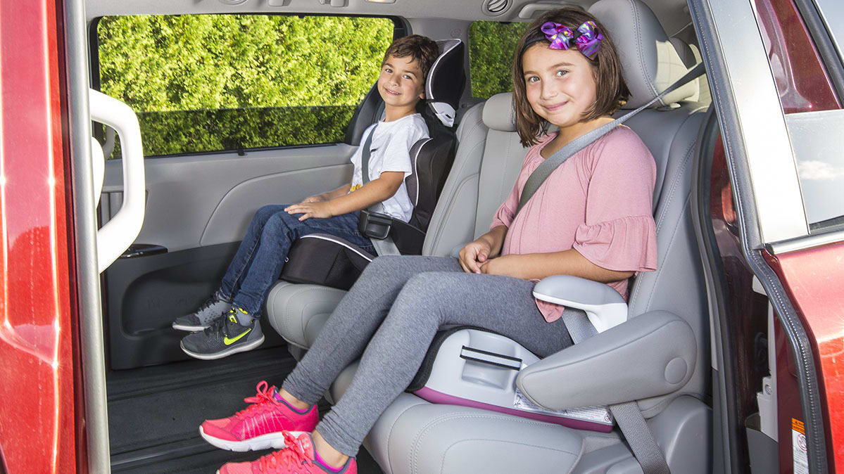 Buy Car Seat to Secure Your 10-Year-Old Kid From Crash