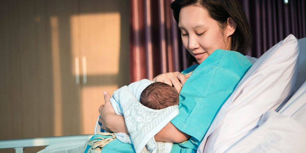Must Know About These 7 Benefits of Extended Breastfeeding