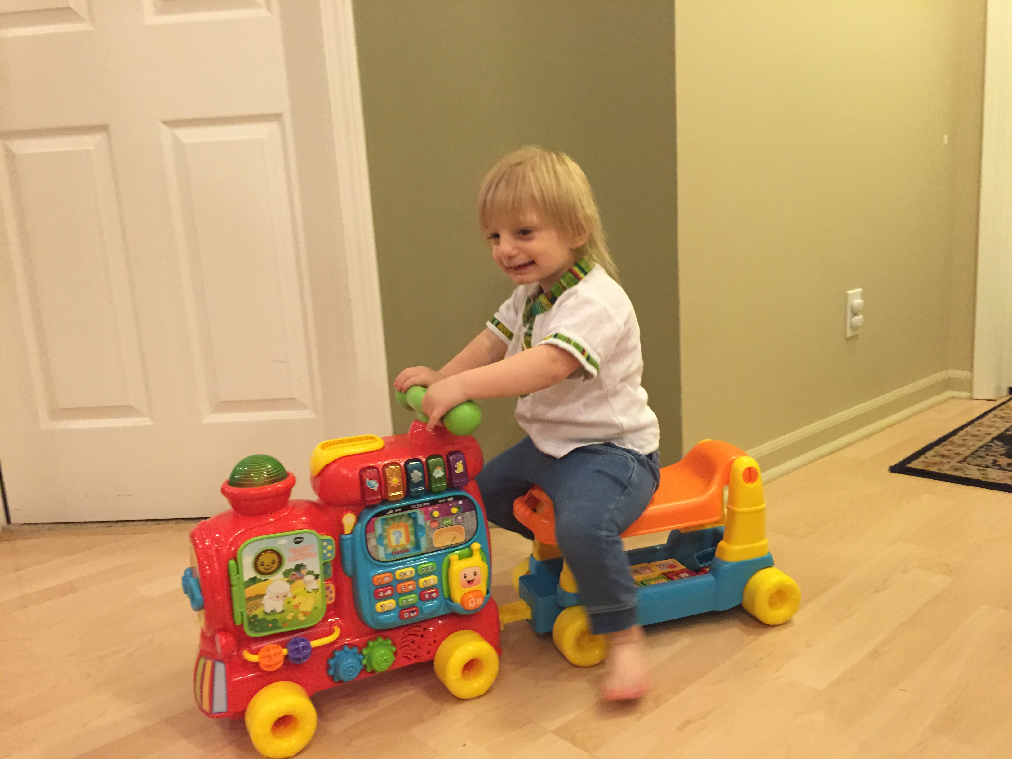 VTech Sit-to-Stand Knowing Walker