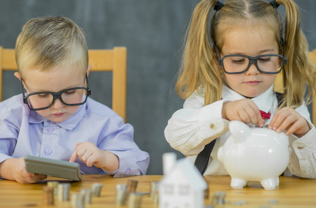 10 Easy Ways To Teach Kids About Investing Money