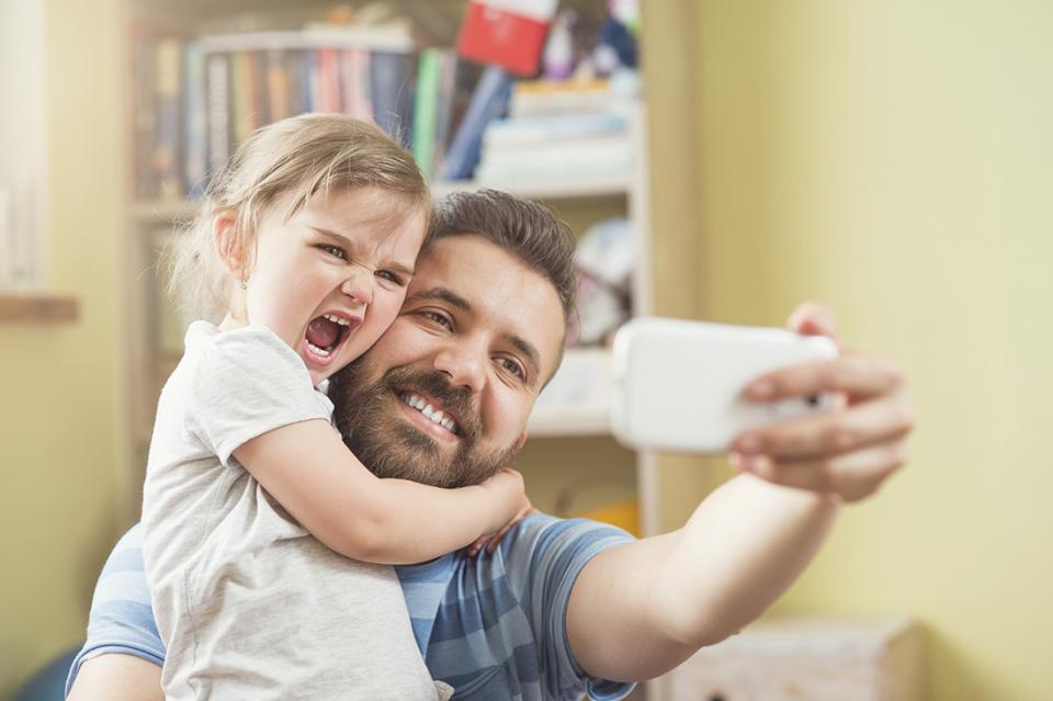 7 Ways a Father Can Create Strong Bond With His Daughter