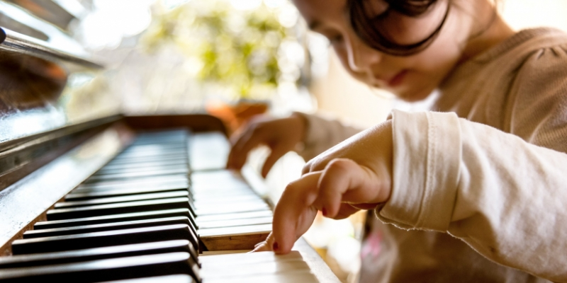 9 Easy Musical Instruments For Kids To Learn