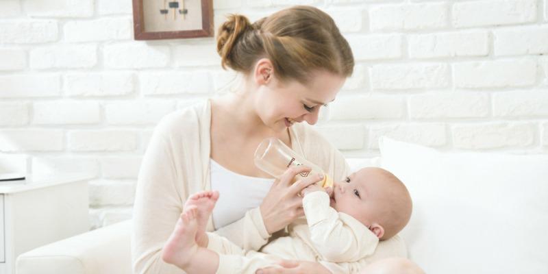 Breastfeeding vs Bottle Feeding: For Parents