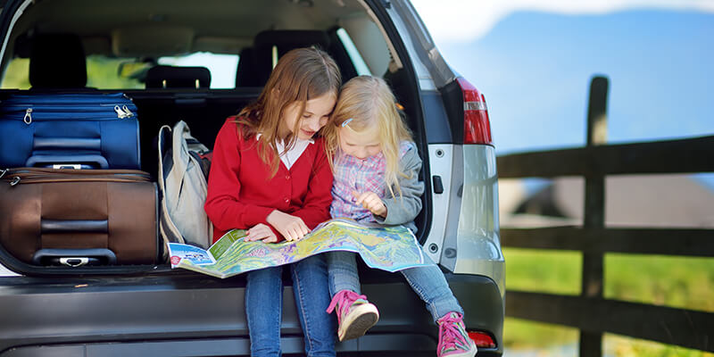12 Best Travel Games For Kids And Adults