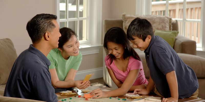 Play 10 Classic Board Games With Family